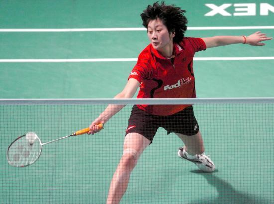 图文-香港羽球赛谢杏芳2-0朱琳朱琳大跨步