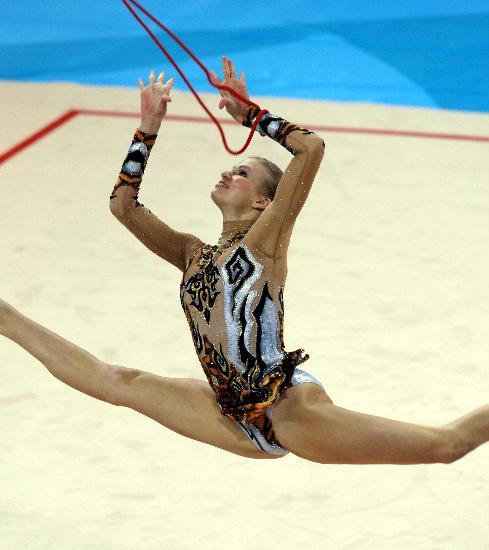图文-艺术体操个人全能资格赛卡普拉诺娃美轮美奂