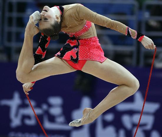 图文-好运北京艺术体操国际邀请赛恰希娜完美表演