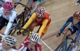 图文-自行车世界杯精彩赛况中国燕被吞没在人海中