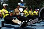 图文-奥运舵手总决赛第二集李大鹏赤膊上阵