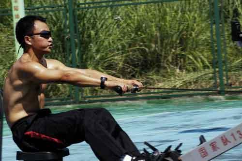 图文-奥运舵手总决赛第二集一身功夫的黄健