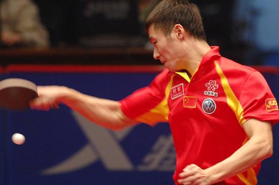图文-乒乓球世界总冠军赛王励勤晋级大力正手无敌