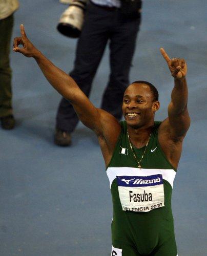 图文-田径室内世锦赛男子60米决赛法苏巴赛后狂欢