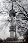 图文-北京奥运火炬传递之首尔 首尔电视塔挺立高耸