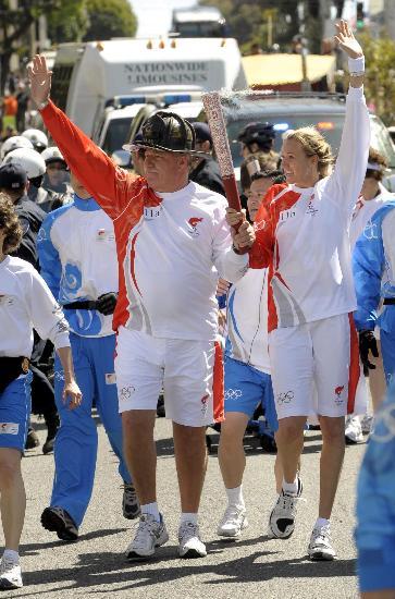 图文-北京奥运会火炬在旧金山传递 我们为圣火骄傲