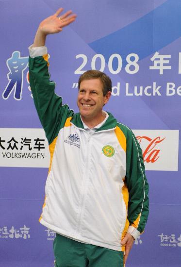 图文-澳大利亚选手平世界纪录 波滕特向观众致意