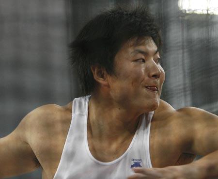 图文-中国田径公开赛男子铁饼决赛 吴健准备投掷