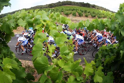图文-环法自行车赛第12赛段结束比赛场地风景如画