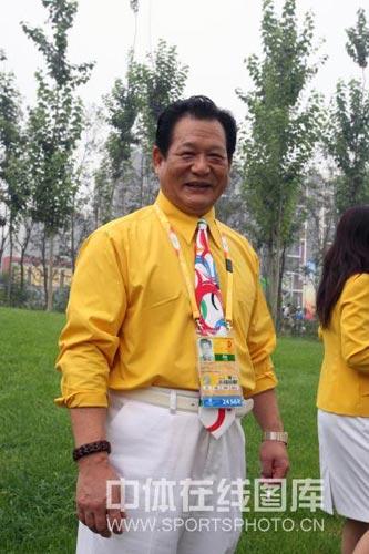 图文-北京奥运村举行开村仪式 举重队领队领队马文广