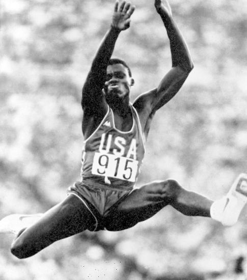 图文-奥运史上的难忘瞬间 卡尔-刘易斯的惊人表演
