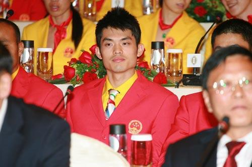 图文-中国奥运金牌运动员记者会 林丹已证明自己