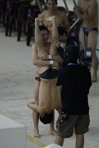 图文-国家跳水队赴香港访问表演 这种习惯很奇怪