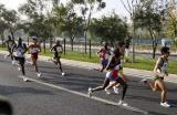 图文-北京国际马拉松赛落幕蓝天北京天气不错