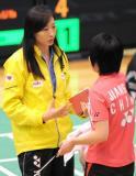 图文-香港羽毛球公开赛蒋燕皎晋级张宁场边指导