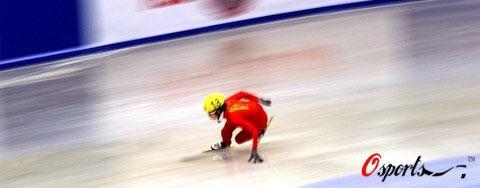 图文-速滑世界杯保加利亚站王�鹘�四强风驰电掣