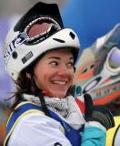 图文-大冬会单板滑雪女子争霸赛克莱尔笑容灿烂