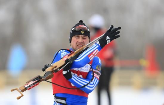 图文-男子个人20公里俄罗斯选手夺冠进行射击项目