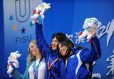 图文-单板滑雪女子争霸赛颁奖仪式两名蓝衣女将