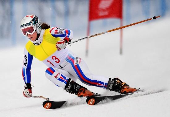 图文-大冬会女子大回转法国选手获银雪中风驰电掣