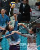 图文-女排联赛天津第六次夺冠魏秋月单手吊球