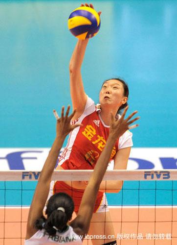 图文-世界女排大奖赛中国0-3巴西楚金玲大力扣杀