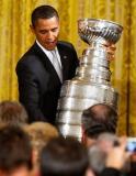 奥巴马捧起史丹利杯