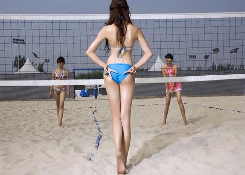 图文 《最体育》比基尼美女泳装秀