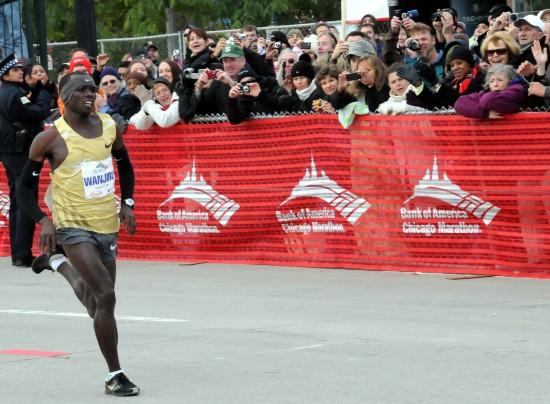 图文-芝加哥国际马拉松赛北京奥运会冠军破纪录