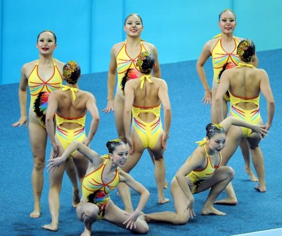 泳集体技术自选赛况 比赛队员热身_综合体育_