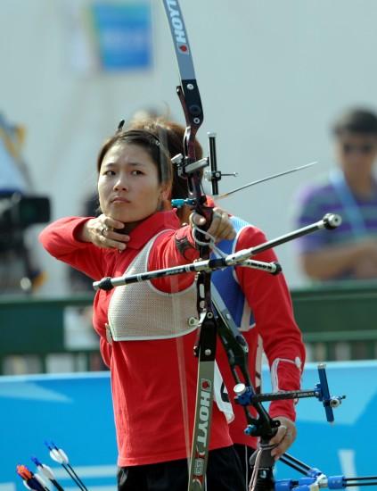 图文-全运射箭女团奥林匹克淘汰赛专注的张萍华