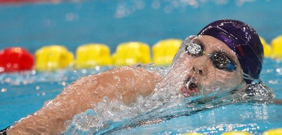 图文-陈倩获得女子800米自由泳金牌领跑对手