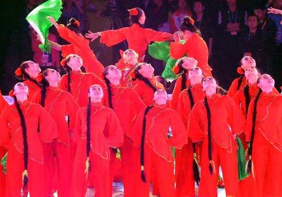 图文-全国运动会在济南举行闭幕式中国特色舞蹈