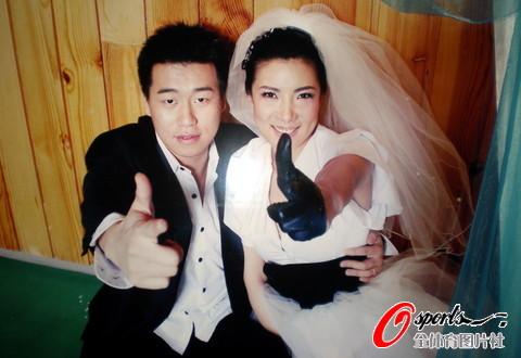 图文-庞伟杜丽靓丽婚纱照首度曝光两个射击冠军