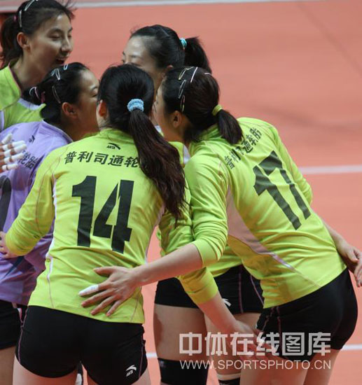 图文-[女排联赛]上海3比0胜天津天津队相互鼓励