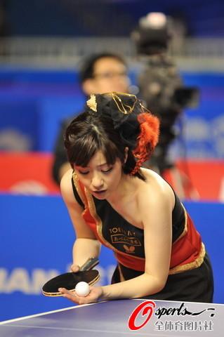 图文-2010国际乒乓球精英赛四元奈生美惊艳登场
