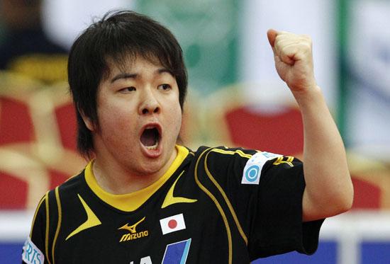 图文-世乒赛男团日本淘汰香港 岸川圣也握拳庆祝