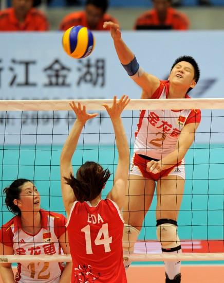 图文-女排精英赛中国3-1土耳其张磊登场收到奇效