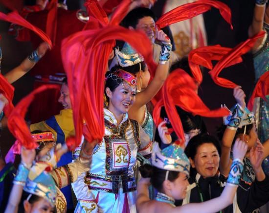 图文-世界元老乒乓球锦标赛开幕洋溢欢乐笑脸