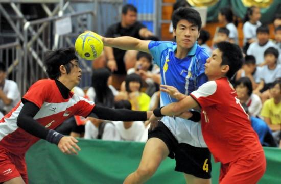 图文-香港国际手球锦标赛赛况李卓洋强势进攻