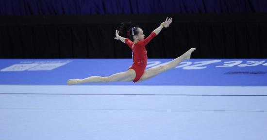 图文-谭思欣获得女子自由体操冠军这个舞台属于她