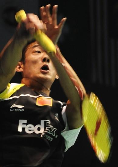 图文-中羽大师赛男单1/4决赛用尽全身力气回球