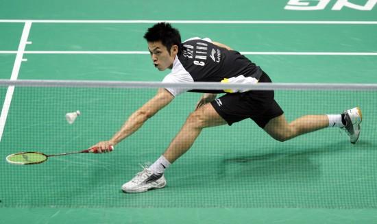 图文-中国羽毛球大师赛林丹夺冠绝不放过任何球