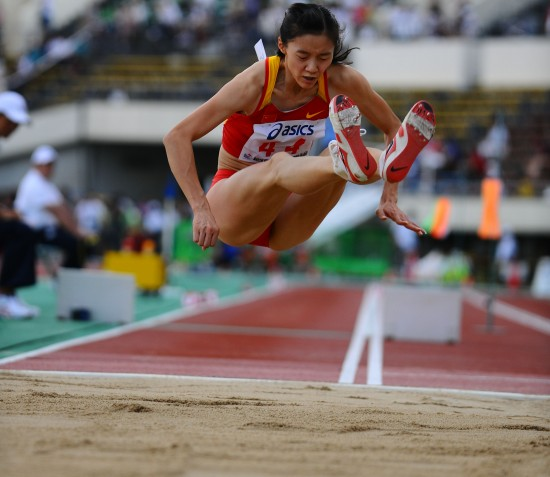 女子三级跳陈婷_图集 正文    当日,在日本神户举行的第19届亚洲田径锦标赛女子三级跳