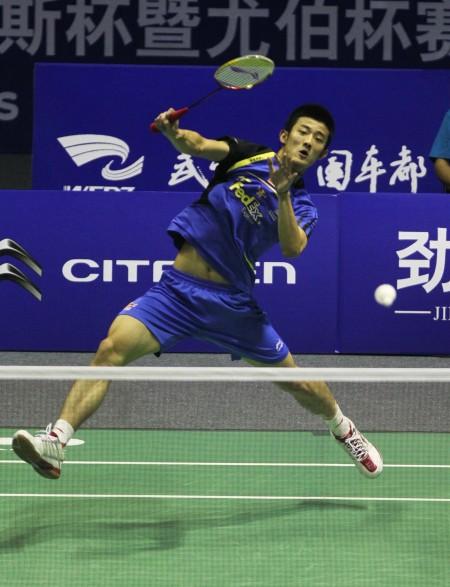 图文-汤姆斯杯中国队夺冠 队员挥拍大力出击_