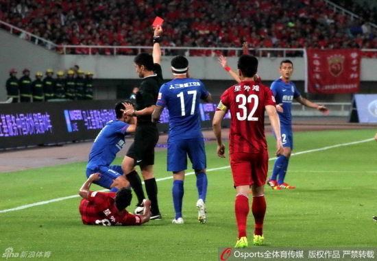 申花3名球员遭红牌驱逐