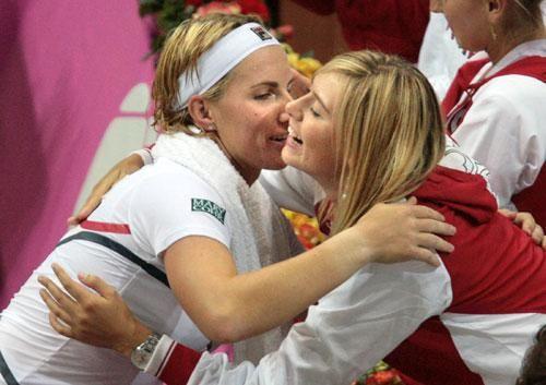 库兹涅佐娃和莎拉波娃并肩出战联合会杯