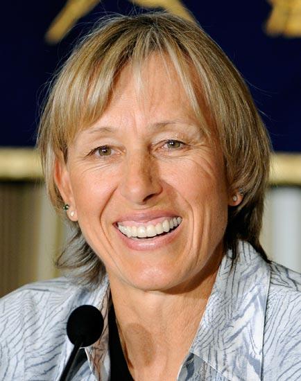 图文-纳芙拉蒂洛娃加入捷克国籍女金刚笑容灿烂
