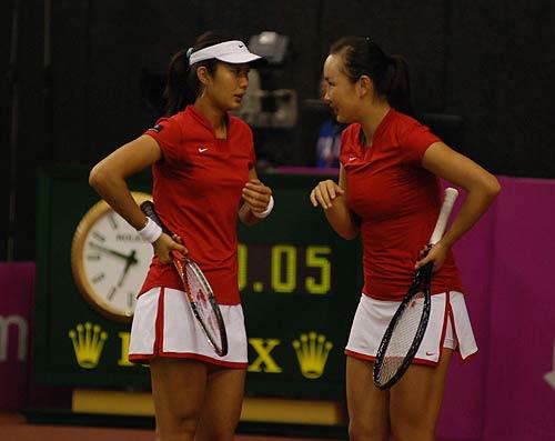 图文-联杯半决赛中国vs西班牙她们的搭配却默契
