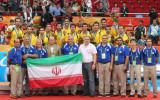 伊朗上下一起合影